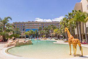 Piscina del hotel temático palas pineda, Tarragona