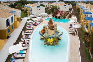 Hotel temático con toboganes en menorca