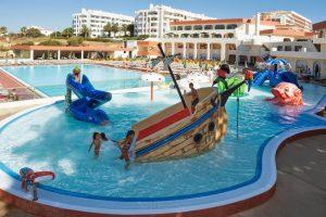 Hotel temático con toboganes en Algarve