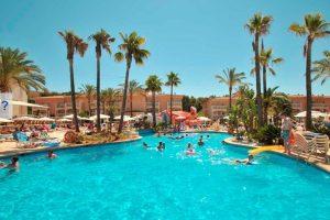 buen hotel temático con toboganes en Mallorca