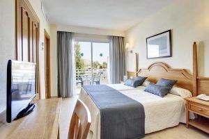 lujoso hotel temático con entretenimiento para niños en la isla de Mallorca