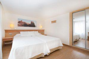 excelente hotel temático con toboganes en Sa Barca