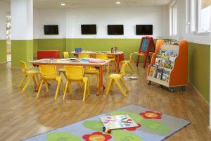 buen hotel temático con toboganes para niños en Castellón