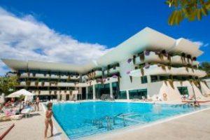 Piscina del hotel temático Deloix ALicante