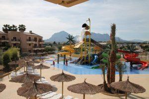 Hotel temático con toboganes en Benidorm