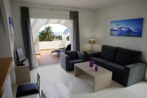 paradisíaco hotel temático con toboganes para niños en Alicante